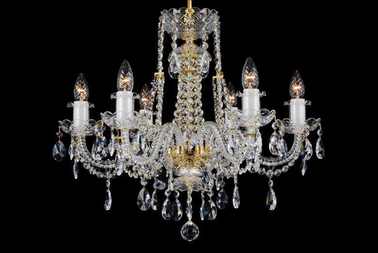 A six-light neutral crystal chandelier decorated with leaded crystal chains.