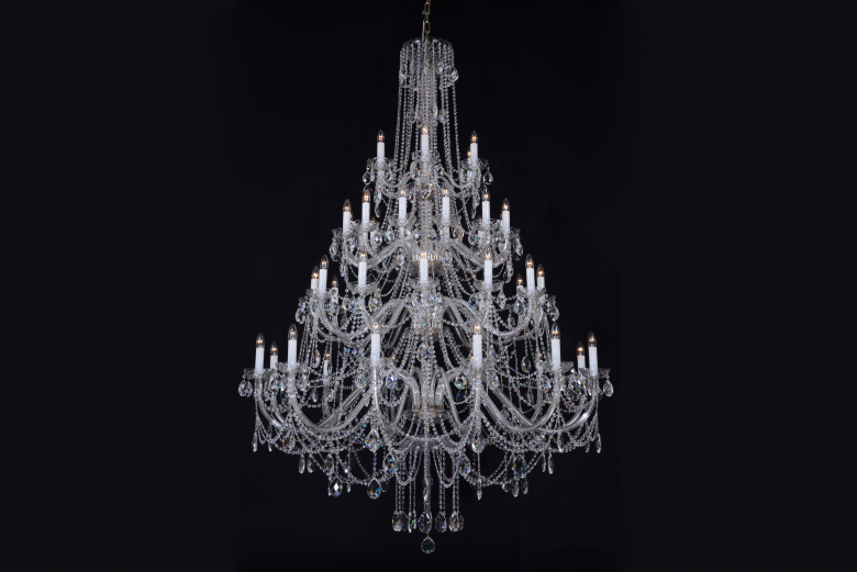 Hot news of the largest clear crystal chandelier in silver color