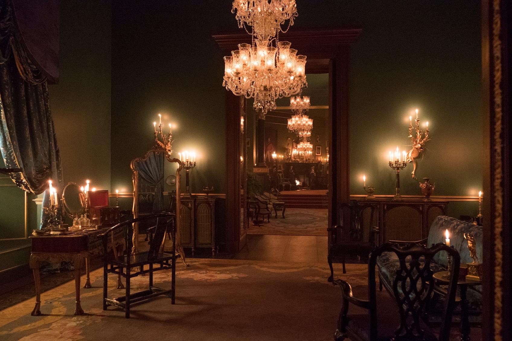 Upravené křišťálové lustry LUCKY GLASS v Buckinghamském paláci
